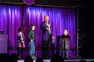 Chicago family magician Performing Magic